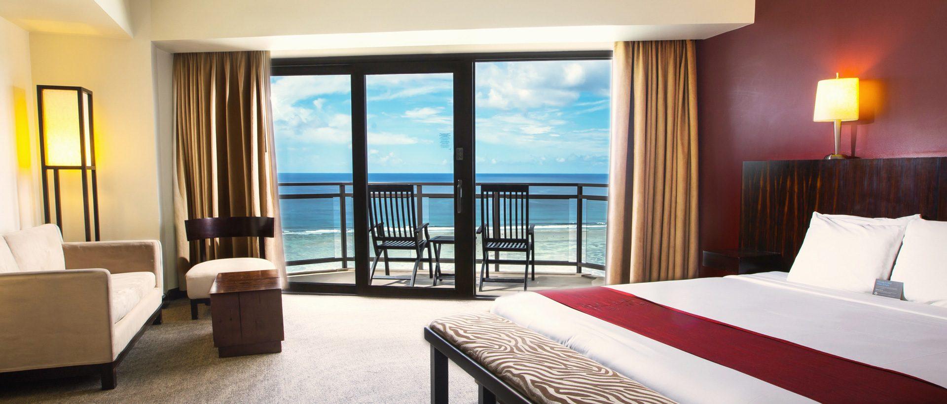 dusit-beach-resort-guam-rooms-Deluxe-Oceanfront-_-Club-Oceanfront----King