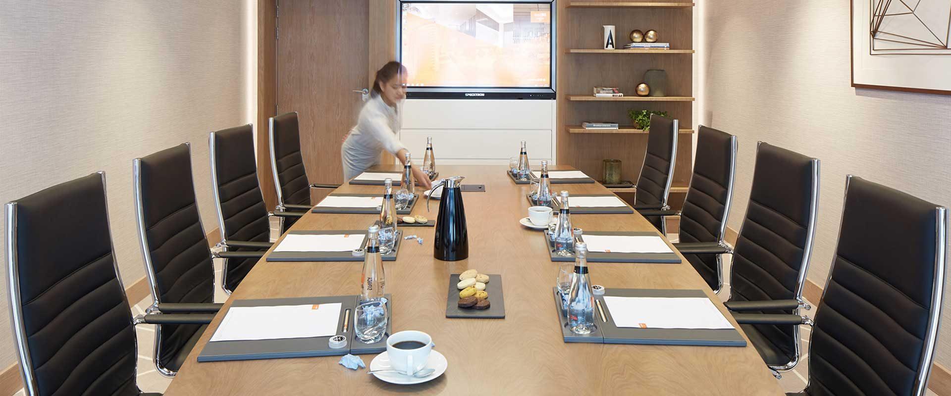 dusitD2-kenz-meeting