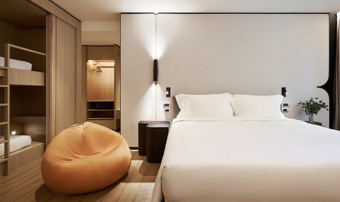 D2HH_Family-Terrace_Bedroom1-1