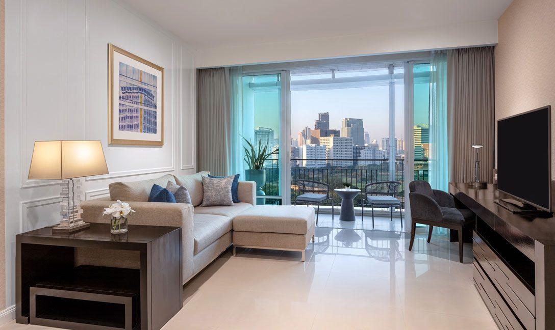 dusitsuites-ratchadamribangkok-One-Bedroom-Premium-Suite-Livingroom