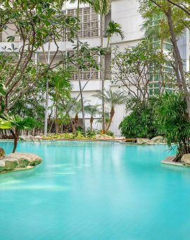 dusitsuites-ratchadamribangkok-Swimming Pool