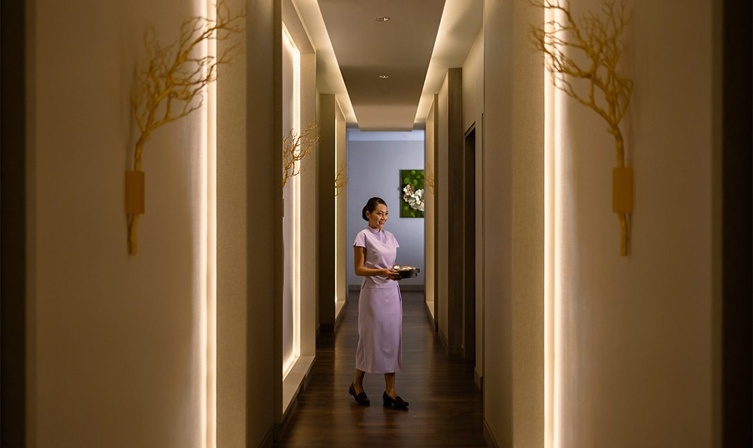 Devarana-Spa-with-staff