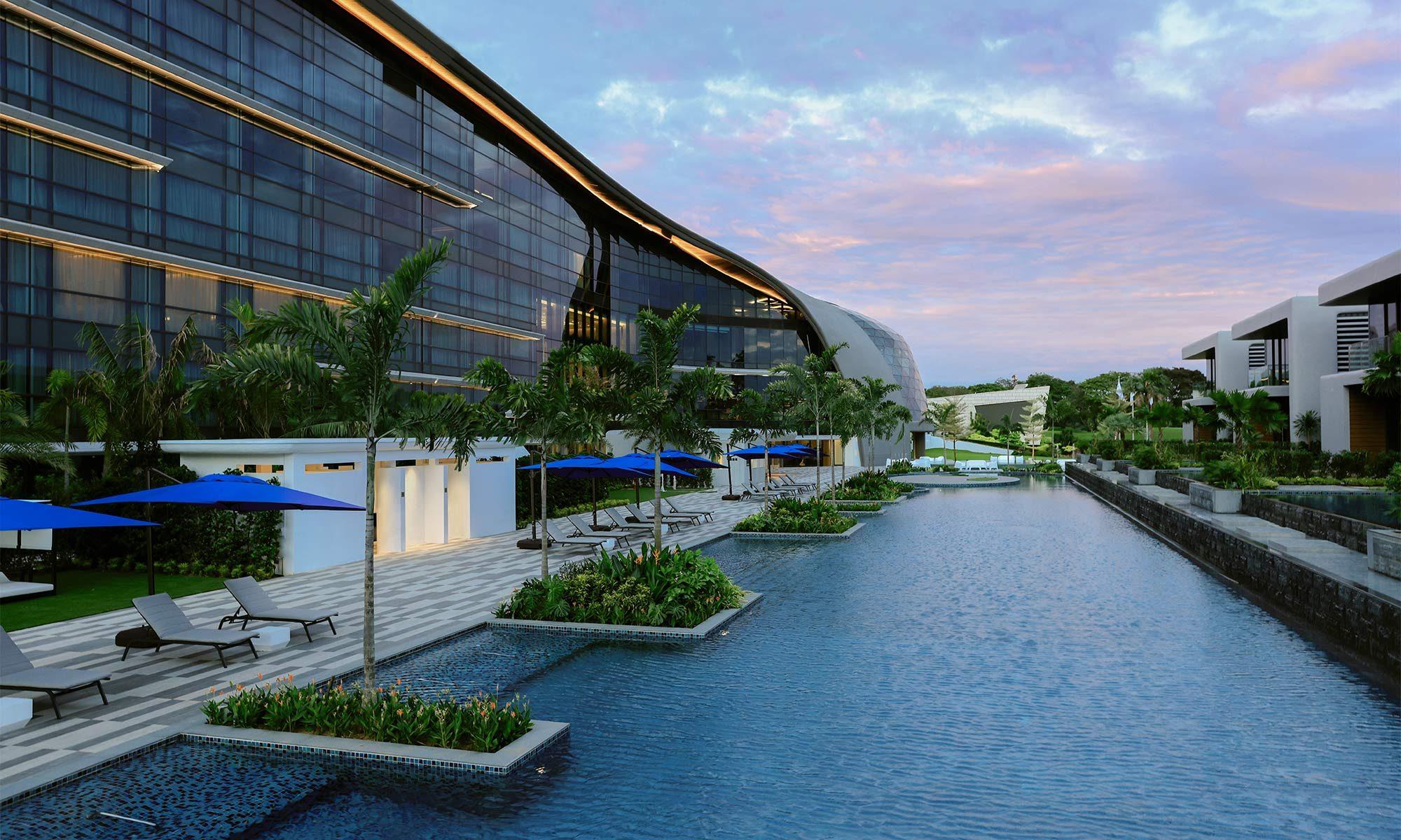 dusitthani-laguna-singapore