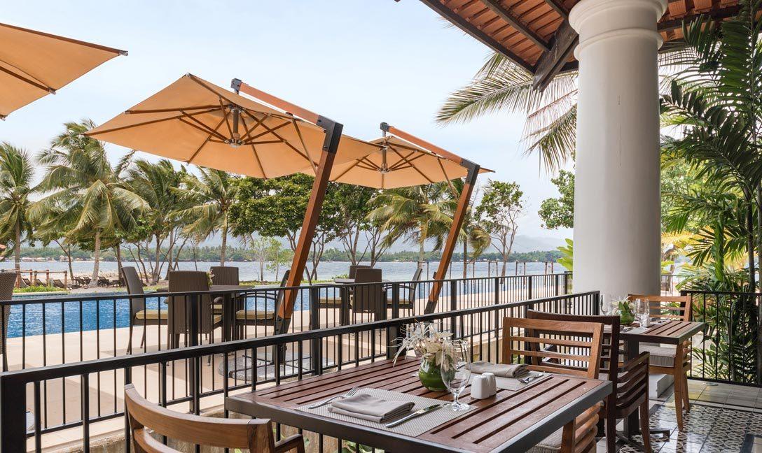 dusitthani-lubiplantationresort-Dining-Breakfast-at-Tarictic-Grill-outdoors