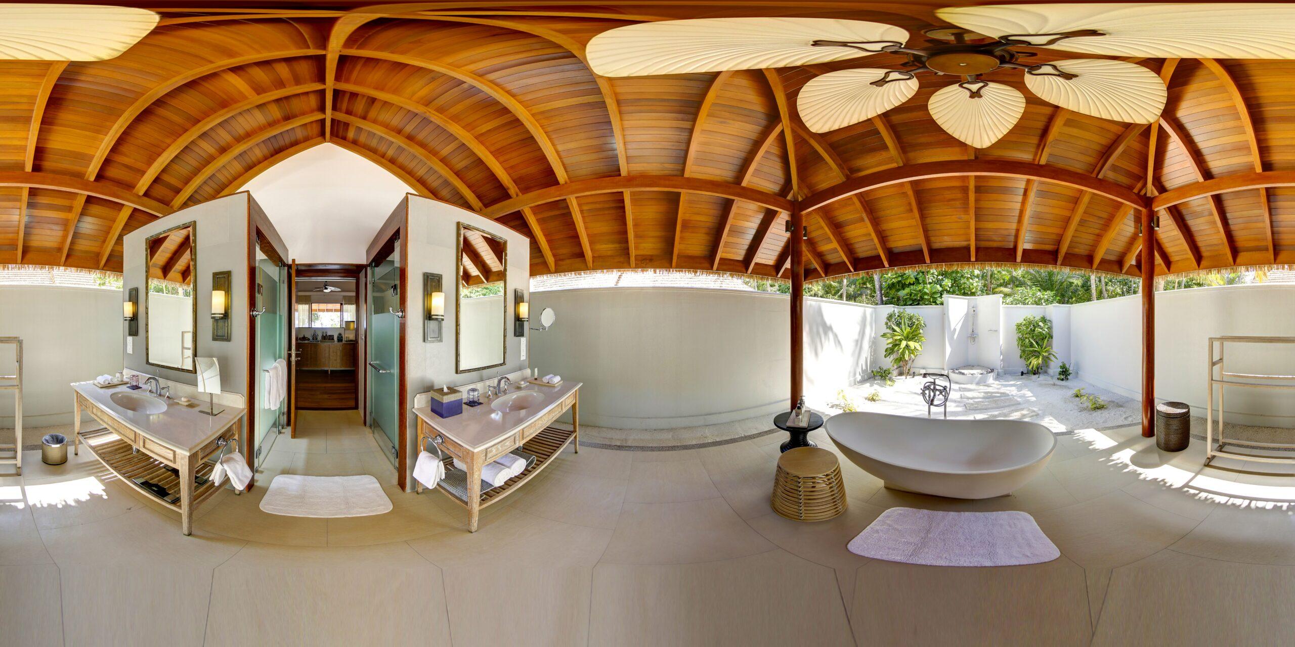 Beach Deluxe Villa With Pool, Bathroom