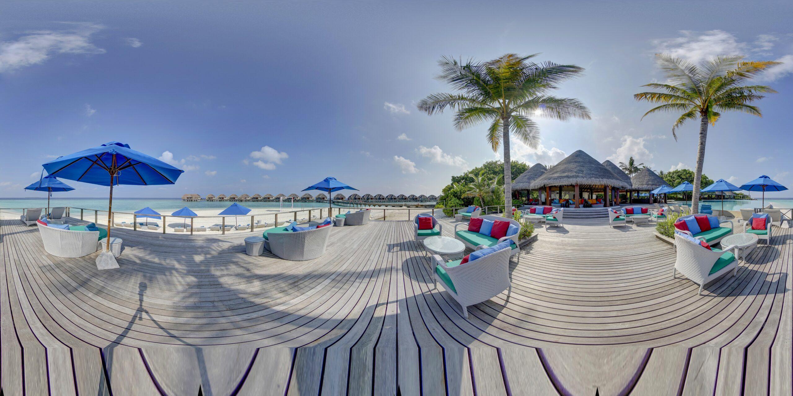 Sand Bar, Terrace