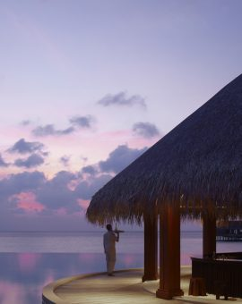 dusit-thani-maldives-Sand-bar_03