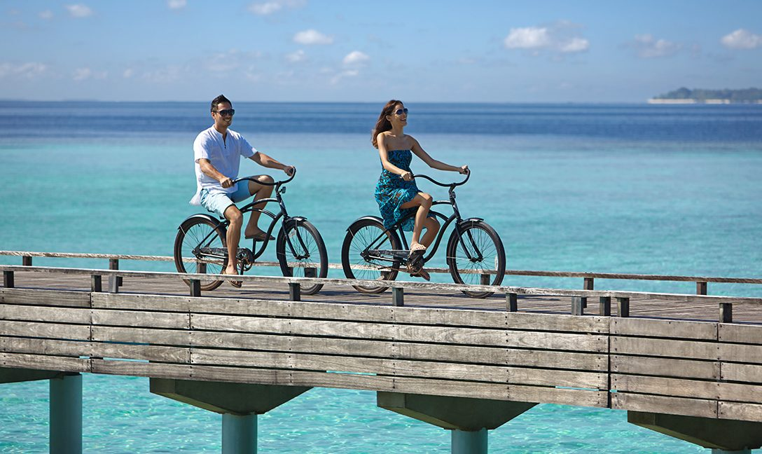 dusit-thani-maldives-facilities-Bicycles